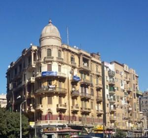 مبنى قديم من وسط البلد في القاهرة