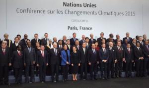 صورة تذكارية لقادة العالم في مؤتمر باريس للمناخ 2015
